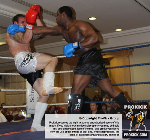 ProKick's Paul Best faced Athlone's Irish Boxing Champion Kenneth Okungbowa in a 3 round K1 action packed fight
