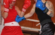 Samantha punches in boxing match in Geneva
