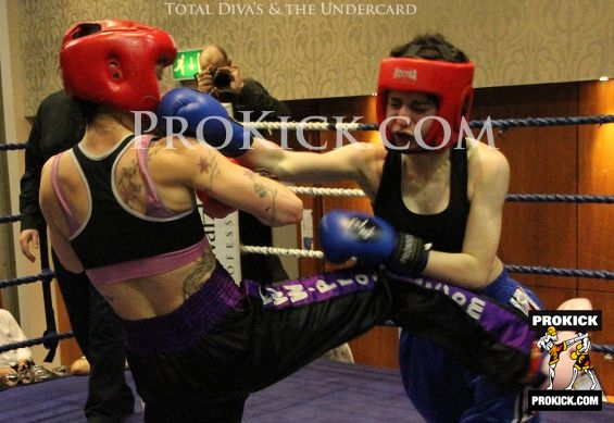 Ceara Lands Right hand to Rowena